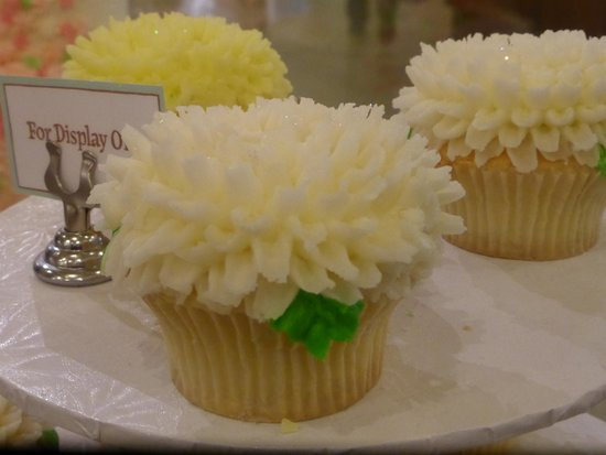 Looks Like A Flower Picture Of Magnolia Bakery New York City