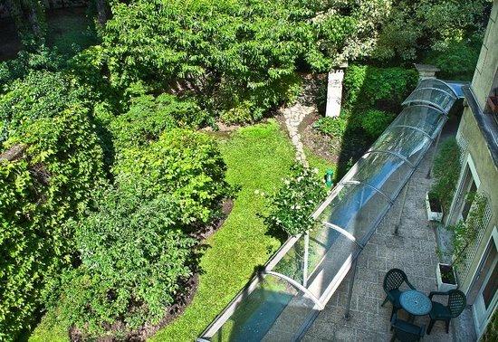 Quality Hotel Abaca Messidor Paris : Jardin