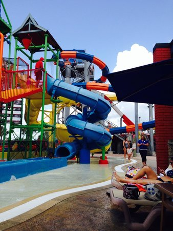 Coco Key Hotel and Water Park Resort: Water slides