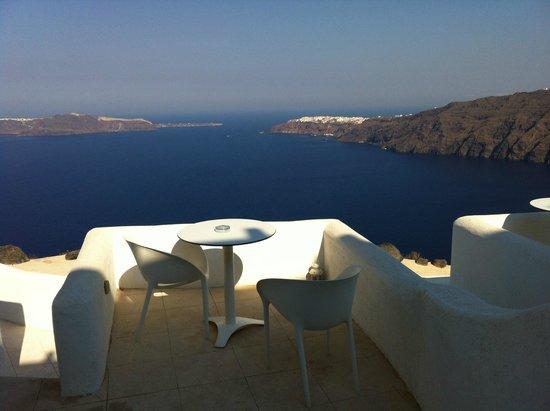 Rocabella Santorini Hotel & Spa: Chambre avec vue