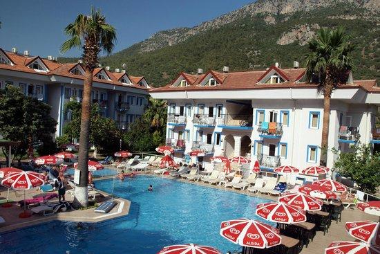 Akdeniz Beach Hotel: Вид на наш номер 106.