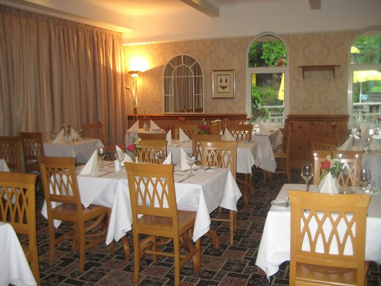 Swallow Falls Hotel: Dining room where breakfast is taken