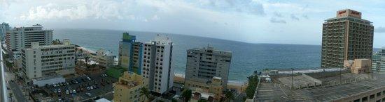 BEST WESTERN PLUS Condado Palm Inn & Suites: View from Balcony