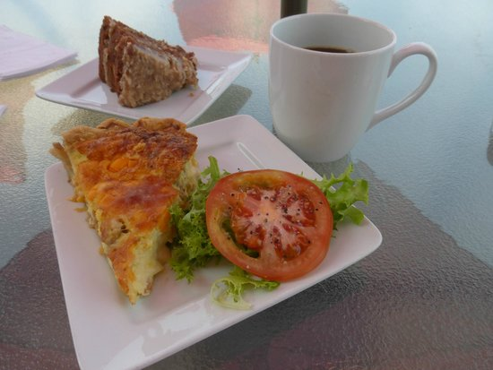 Red Rooster Artisen Bakery And Catering: Quiche, cake & coffee!