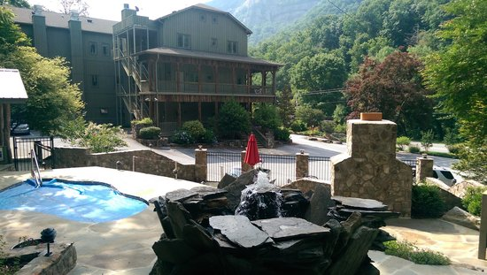 The Esmeralda Inn: The ultra relaxing hot tub, firplace and patio.