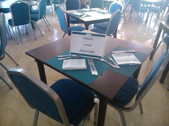 Melia Benidorm : Patetico q cierren mesas cuando el comedor esta a tope