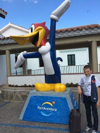 PortAventura Hotel PortAventura: Перед входом в отель