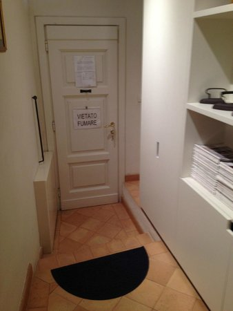 B&B San Fiorenzo: Entrance to Suite Minor