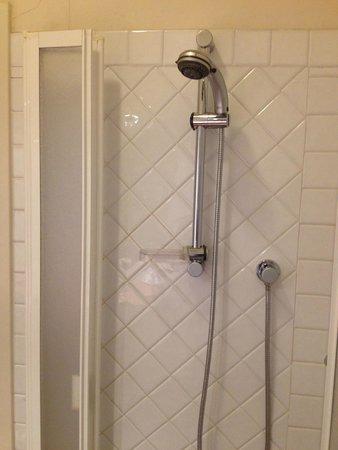 B&B San Fiorenzo: Interesting shower