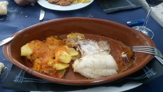 Restaurante Bar Cuesta: Merluza al horno. Increíble de buena!!!
