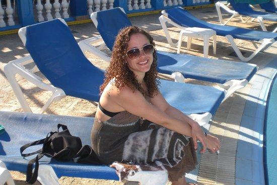 Barceló Solymar Arenas Blancas Resort: My daughter at the pool