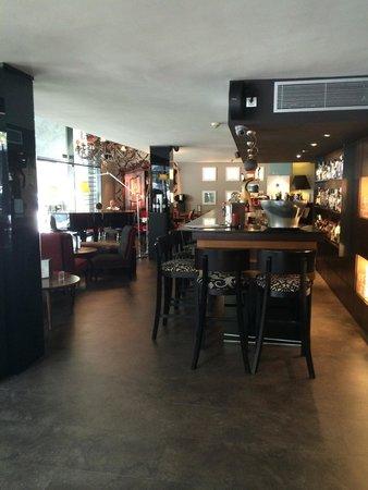 Villa Emilia: Bar restaurant area