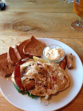 Oyster & Otter: Crab starter