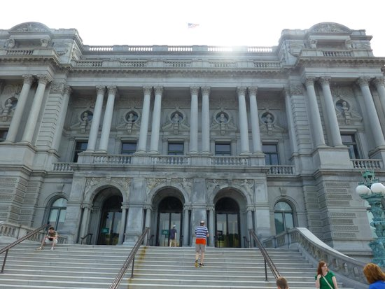 Biblioteca del Congreso: Front of the Jefferson building LOC