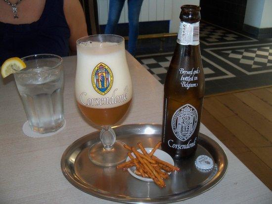 Taste of Belgium Restaurant: Typical Beer Presentation
