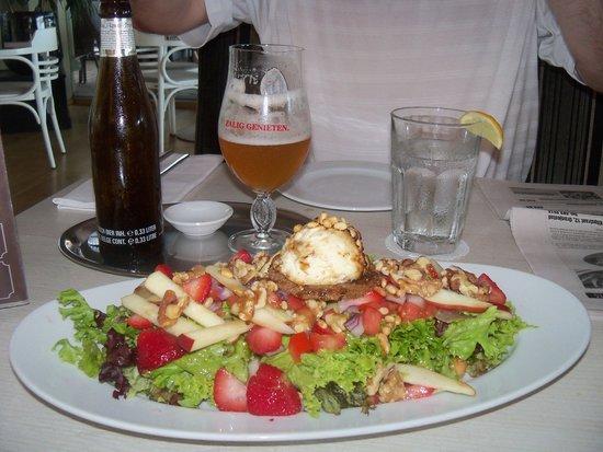 Taste of Belgium Restaurant: Delicious Salad