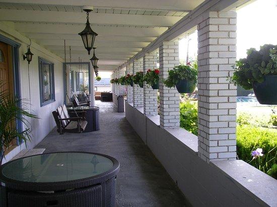 Villa Vosilla: Main House Porch
