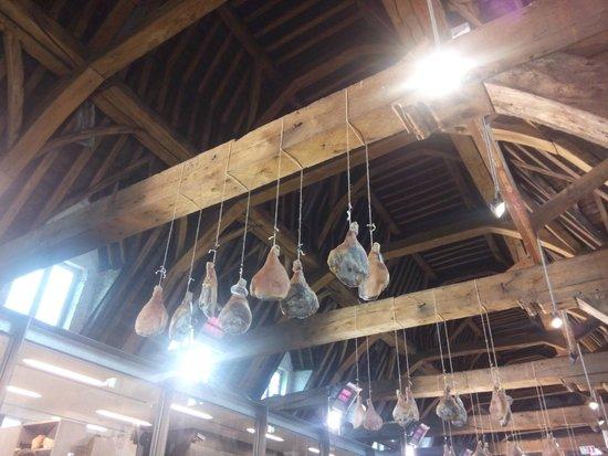 Museum Vleeshuis : Amazing wooden roof structure