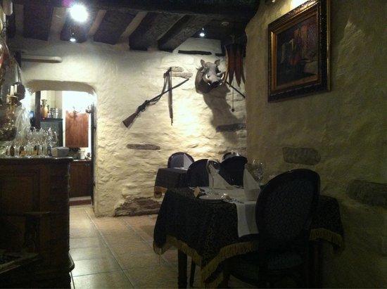 Olevi Restaurant: Inside