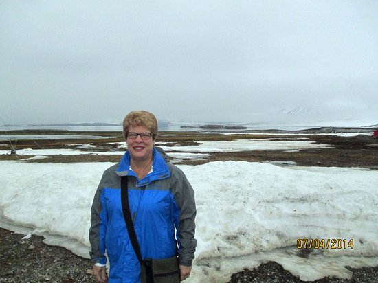 Ny Ålesund + The most Northern Town: Glacier across tundra in background