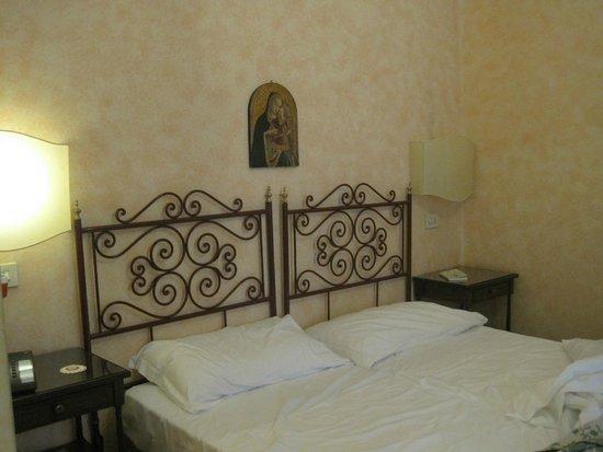 Hotel Orto De Medici: Standard room
