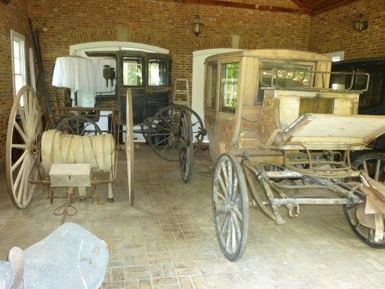 My Old Kentucky Home: Carriage house next to the home