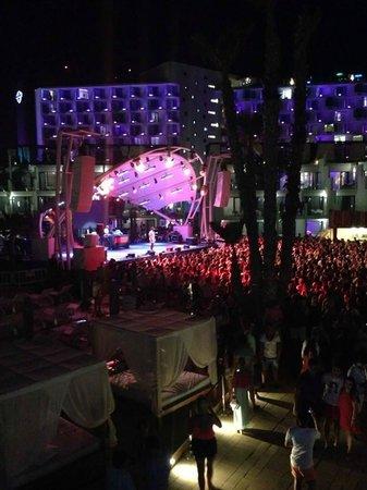 Hard Rock Hotel Ibiza: Tinie Tempah concert/view from balcony