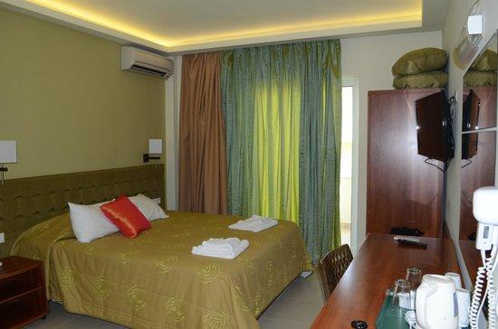 Mareblue Beach Resort: Our room