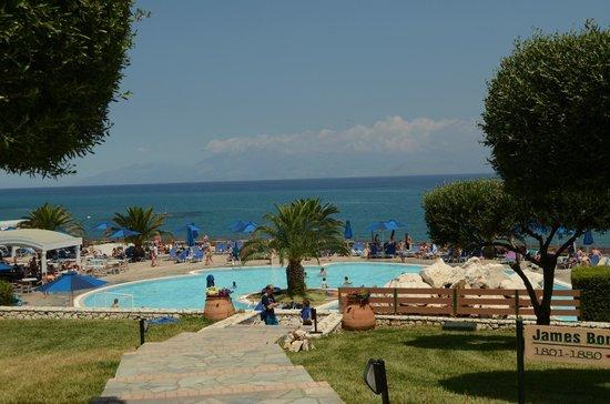 Mareblue Beach Resort: Pool
