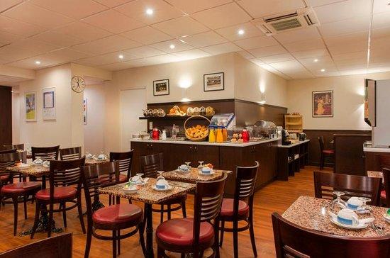 Quality Hotel Abaca Messidor Paris : Breakfast room