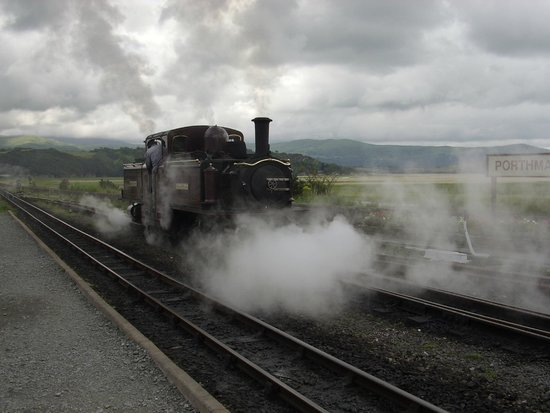 Ffestiniog & Welsh Highland Railways: Ffestiniog Railway locomotive