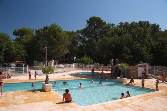 La terrasse du restaurant photo de camping de la foux for Piscine de draguignan
