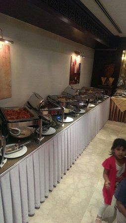 Lexington Gloria Hotel Doha : Iftar buffet