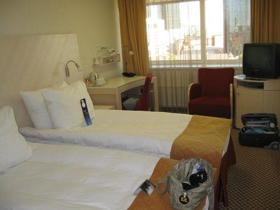 Radisson Blu Hotel Olumpia: Номер с 2 кроватями