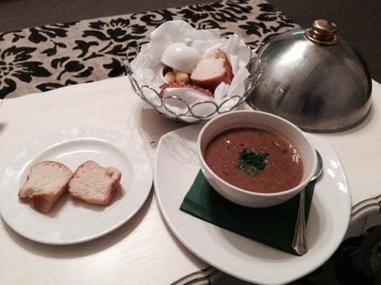 The Fernery Lodge & Chalets: Cream of Beef soup - yum!