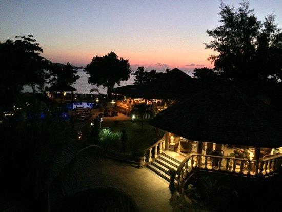Castello Beach Hotel : Zimmeraussicht auf den Strand