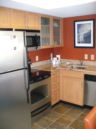 Residence Inn Arlington Pentagon City: Kitchen