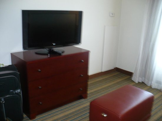 Residence Inn Arlington Pentagon City: Living Area 2
