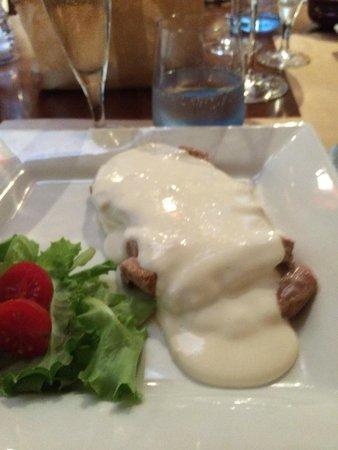 Braceria Le Gole di Cerbero : Tagliata with Castelmagno Sauce