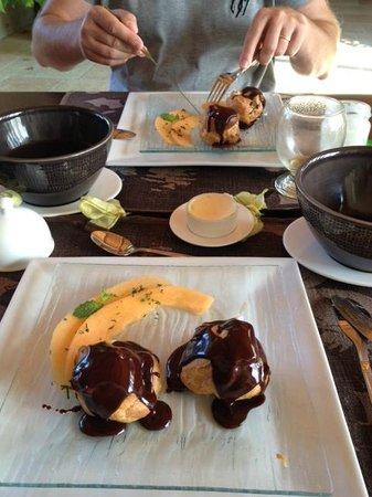 Le Mas d'Emilie: le dessert du petit déjeuner