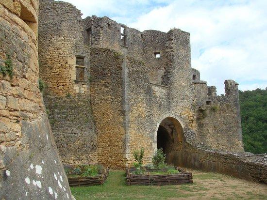 Château de Bonaguil : Côté cour