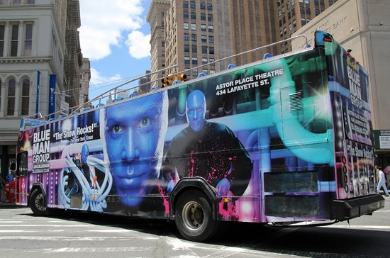 Blue Man Group : Commercial on a bus