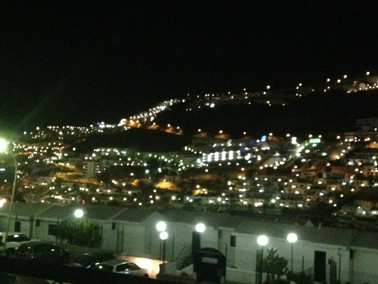 Castillo de Sol Apartments : Night view from the balcony - lovely :)