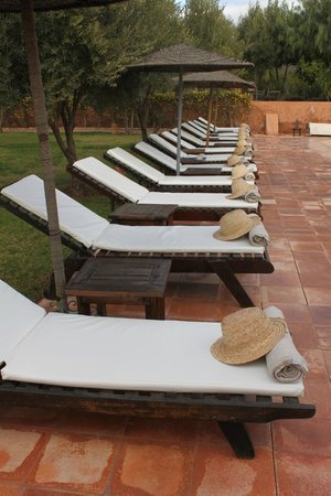 Kasbah Bab Ourika: By the pool