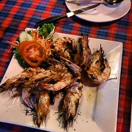 Golden Bay Cottages: Garlic grilled prawns