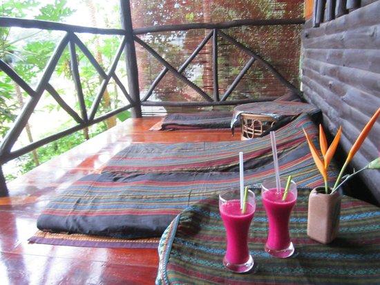 Thongbay Guesthouse : Erfrischungsdrink - schön bunt! :-)