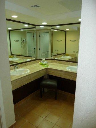 Barcelo Bavaro Beach - Adults Only : salle de bain