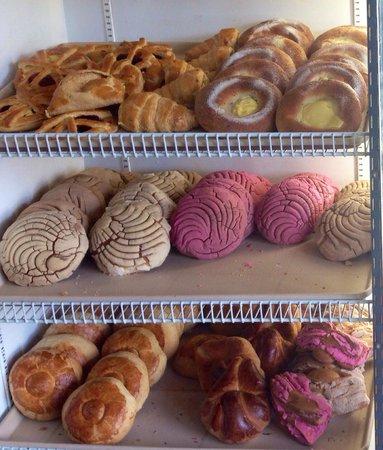 Nataly's Bakery: Delish dulces!