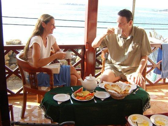 Hotel Dhammika: Frühstück auf dem Balkon