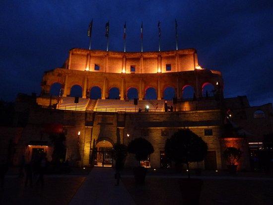 Hôtel Castillo Alcazar : Le parc des hôtels de nuit